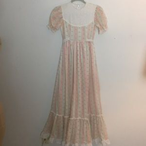 Vintage dress with long skirt and puff sleeves  S